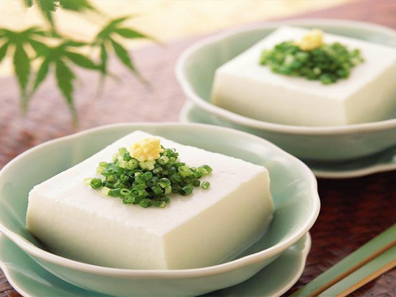 嫩滑花生豆腐