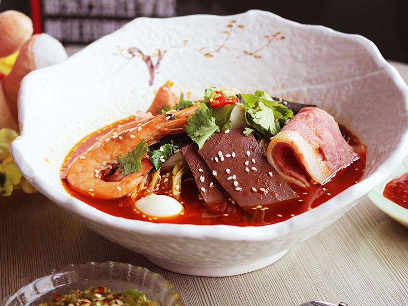 簋鱼锅钵钵鱼快餐-精美麻辣烫