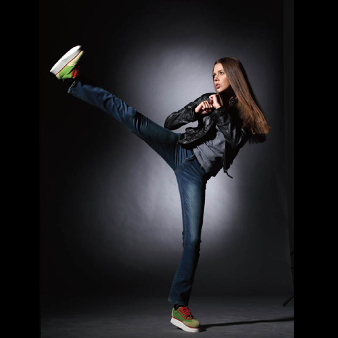 加简牛仔—经典磨白修身直筒牛仔裤