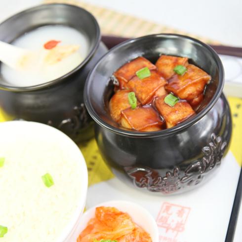 瓦罐香沸-薯香红烧肉饭套餐