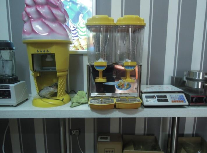 冰吧客小型冰淇淋机器