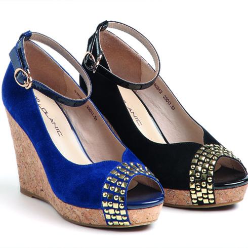 罗拉尼克英伦丽人坡跟修脚女鞋