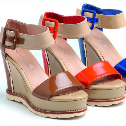罗拉尼克欧美潮流坡跟凉鞋
