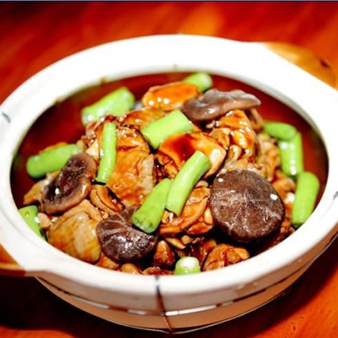 食必思曾式黄焖鸡米饭