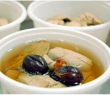 党参黄豆猪手汤