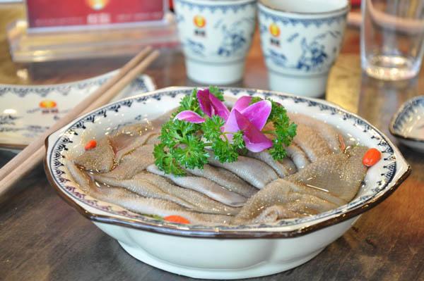骑龙火锅特色菜品-鲜毛肚