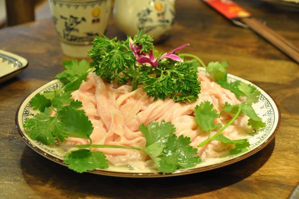 骑龙火锅特色菜品-鲜鸭肠