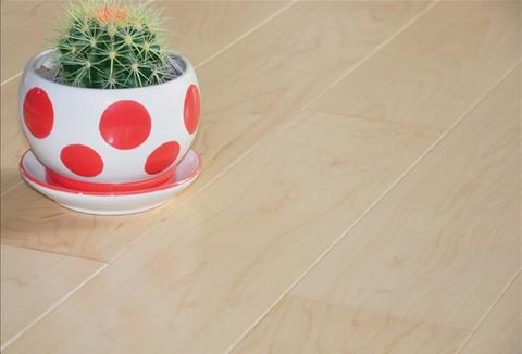 坤伦经典木地板面层具有原木年轮特点