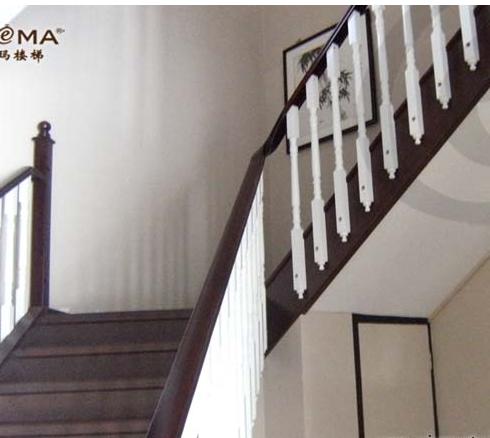西格玛外挂立柱楼梯图片