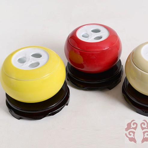 叶氏陶瓷八马罐
