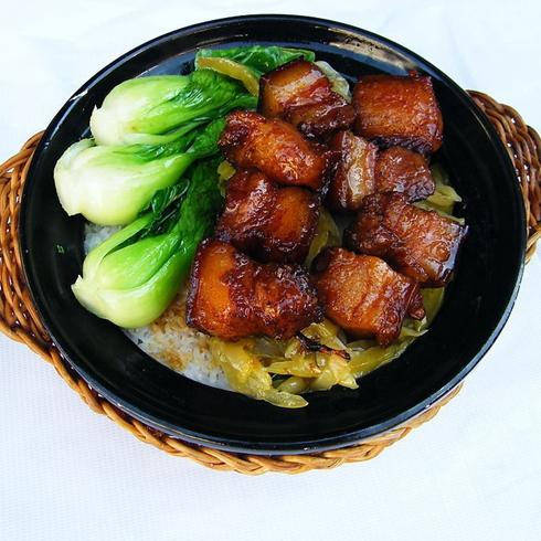 黄焖猪肉煲仔饭