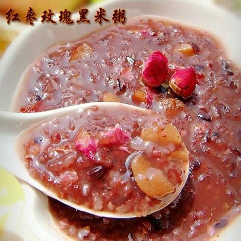 红枣玫瑰黑米粥