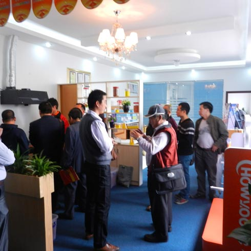 台湾客户来公司洽谈合作事议