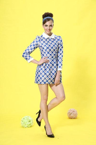 艾丽哲女装娃娃领时尚印花收腰连衣裙