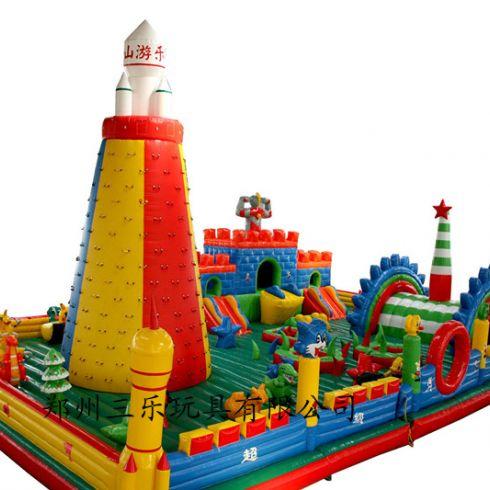 城堡内的小动物的造型易被小孩子撕破