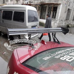 汽车安装尾翼(定风翼)不但有个性的装饰效果而且在车辆高速行高清图片
