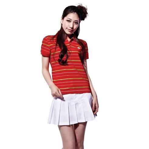 捷路运动服装-红色上衣纯白色百褶短裙搭配