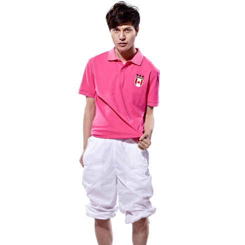 捷路休闲运动服装男款-粉红色休闲T恤上衣纯白色休闲裤搭配