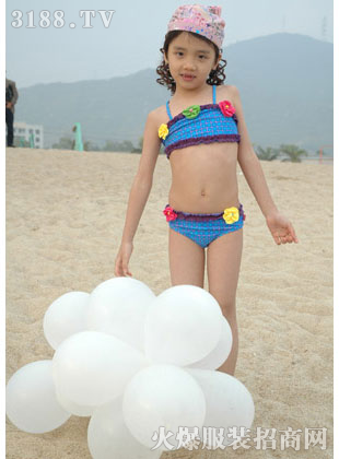 依曼卡儿童泳衣新款