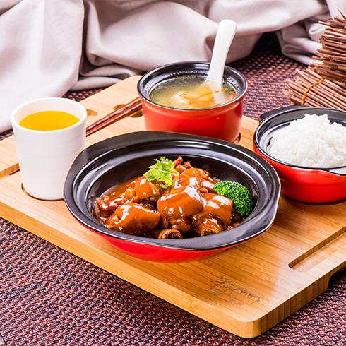 阿宏砂锅饭快餐-黄豆闷猪手