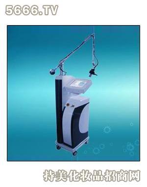 激光治疗用的什么原理_治疗皮肤用激光图片
