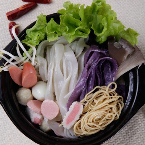 面皮大王产品 三鲜砂锅米线