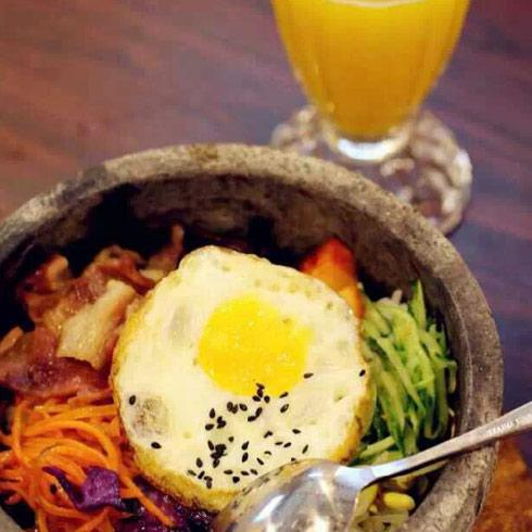 韩七妹韩式料理石锅饭