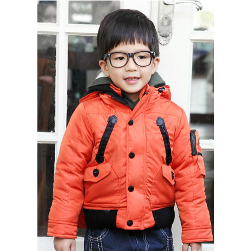 巴笛小宝品牌童装产品-短款带帽拉链儿童羽绒服