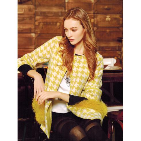 韩美后女装产品-柔美简约毛呢大衣