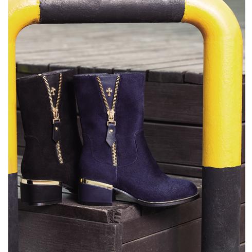 宝丽娜女鞋产品-低粗跟英伦风马丁靴