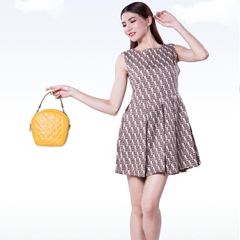 卡仙奴女装产品-一字领无袖印花裙