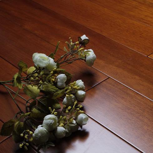 番龙眼柚木色地板