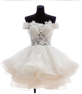 白色婚纱蕾丝花边