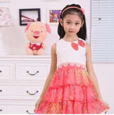 腊笔小新童装-粉色连衣裙
