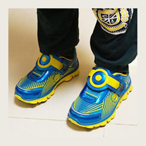 史噜吡童装-定位鞋