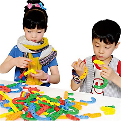 名称:乐高教育积木创作 介绍:现在的小朋友之所以对乐高积木制作爱不图片