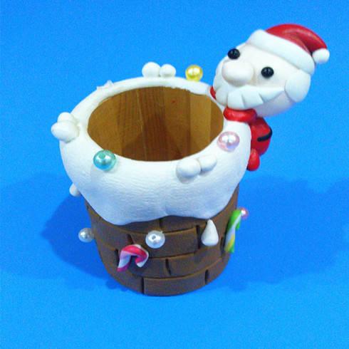 漫族联盟圣诞老人笔筒