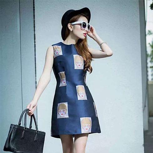 修身时尚连衣裙