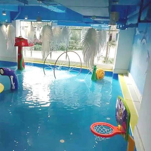卡依婴儿游泳馆泳池