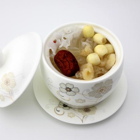 玛丽莲甜品-麦冬红枣炖雪蛤
