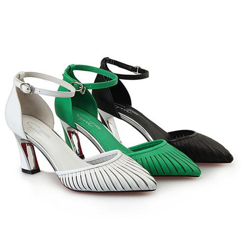 圣恩熙凉鞋