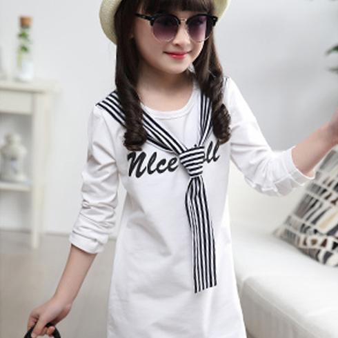小美孩童装-长款白色T恤