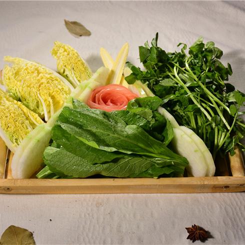 高兴壹锅鲜牛肉火锅-应季蔬菜拼盘
