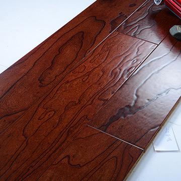 美观大方榆木仿古复合地板