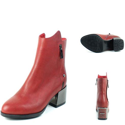红色拉链时尚皮靴