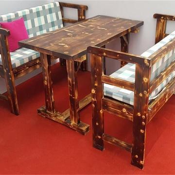 新款实木沙发碳化户外庭院桌椅餐厅公园饭店松木桌椅组合配套包邮