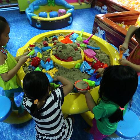 开心玩国儿童乐园泥沙雕塑