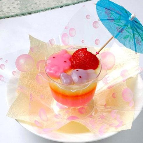 摒弃传统关上门做餐饮美食的模式,毅然将果冻制作的整个流程透明化.