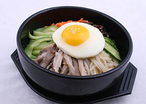 巧蜀娘特色石锅拌饭