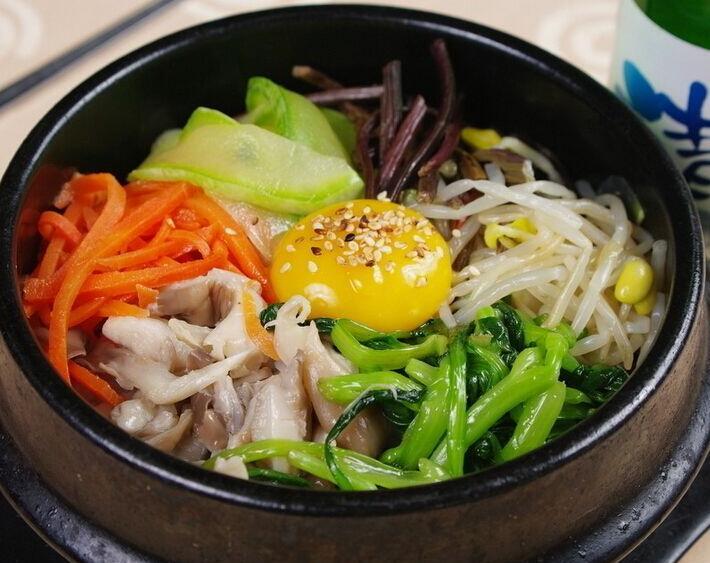巧蜀娘蔬菜石锅拌饭